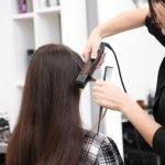 Ist ein Lockenstab schädlich für die Haare?