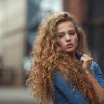 Mehr Volumen für die Haare – diese Tipps können helfen
